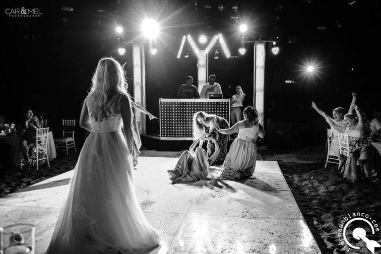 wedding photographer in Puerto Vallarta